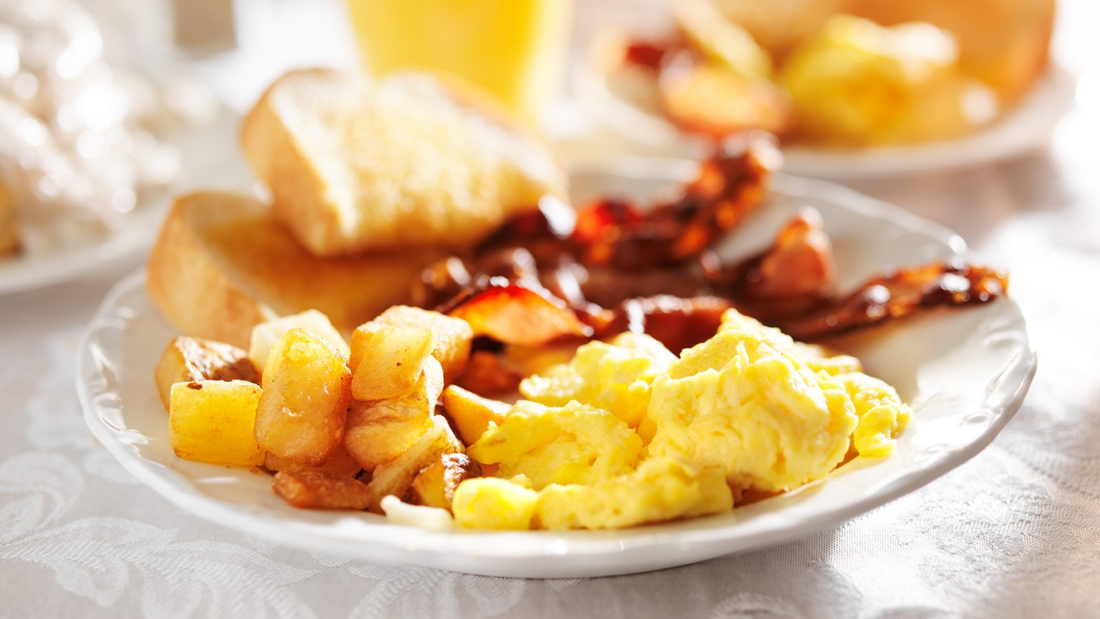 bacon and eggs breakfast